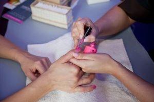 marilyn estetica Manicure smalto